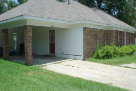 Single Family Home at 4705 W 4th Street at 4705 W. 4th St., Hattiesburg, MS 39402 for 1100